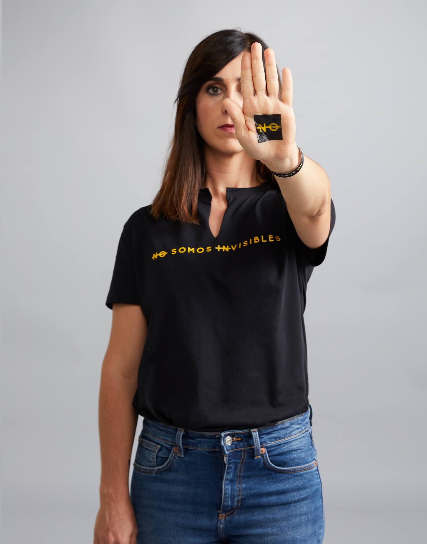 camiseta negra no somos invisibles