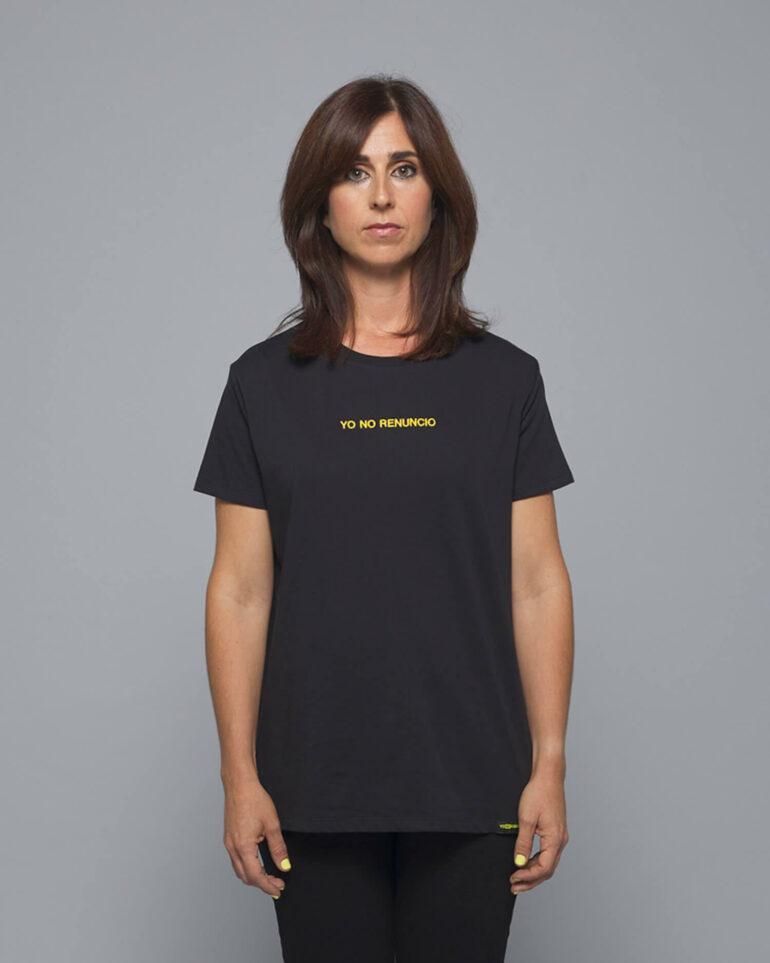 camiseta negra yo no renuncio